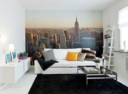 Woonkamer met fotobehang van New York | Flat ideas, Flats and Bedrooms