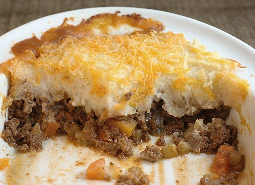 English Cottage Pie This Was Very Good Added Worsterchire And Peas To The Filling Cottage Pie Cottage Pie Recipe English Food