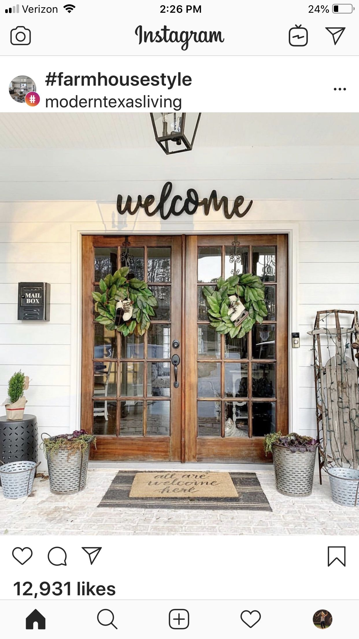 Pin By Jillian Delgadillo On Modern Farmhouse House With Porch Front Porch Decorating House Exterior