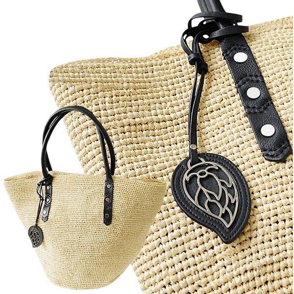 Pre-owned Helen Kaminski Asma Nautral/black Tote Bag ($111) ❤ liked on Polyvore featuring bags, handbags, tote bags, black pouch, helen kaminski, pre owned handbags, black handbags and helen kaminski handbags