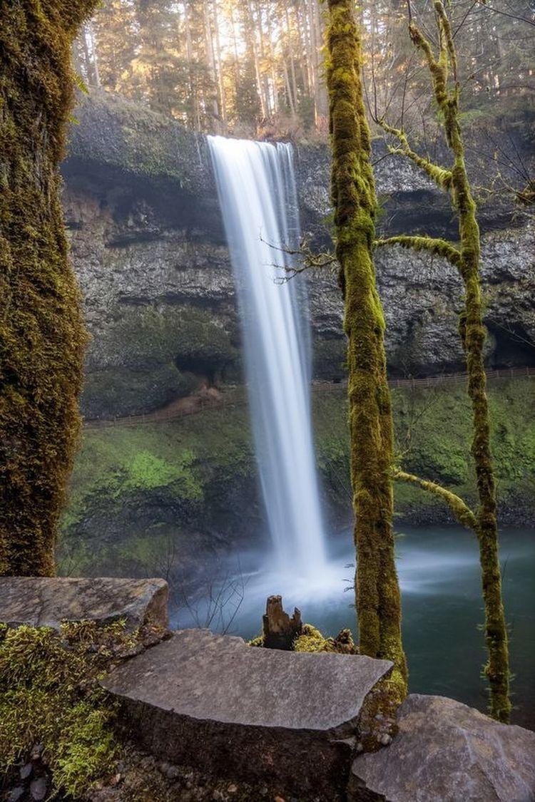 Pin By Grace On Beautiful Waterfalls Waterfall Scenic Waterfall Beautiful Landscapes