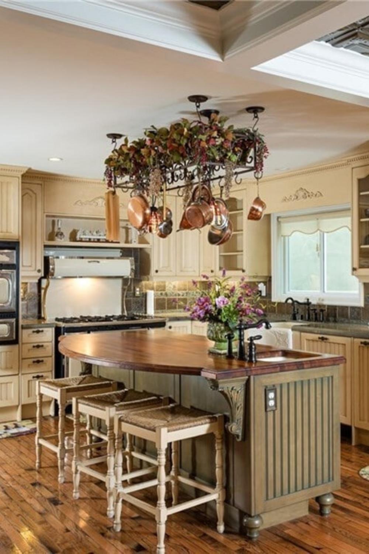 Victorian Home In Huntington Beach Ca In 2020 Kitchen Arrangement Kitchen Decor Modern Kitchen Interior