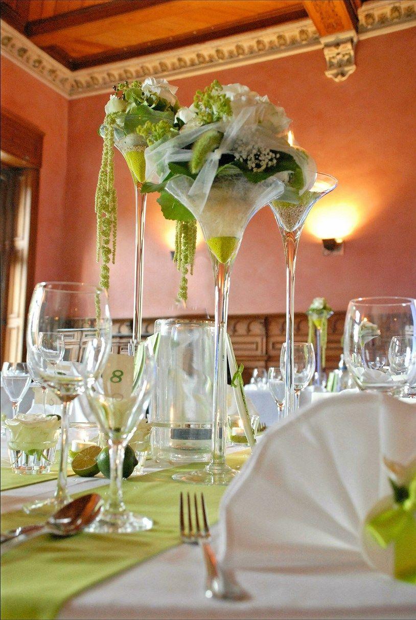 Fotograf: diehochzeitsfotografin.eu. Tischdeko Hochzeit grün-weiß ...