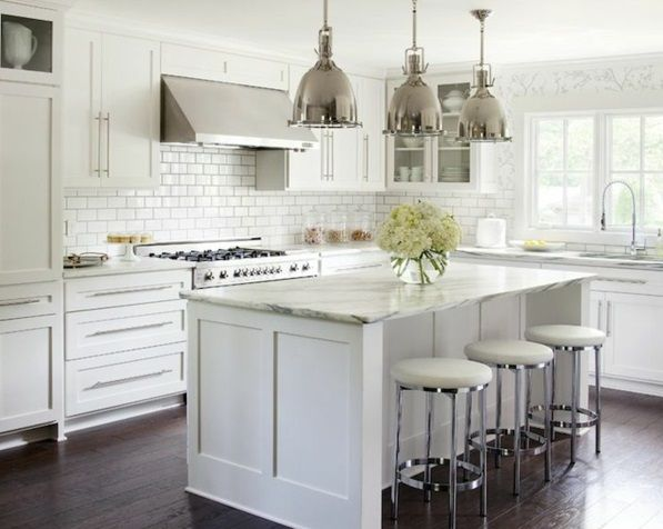 Moderne Küchen mit Kochinsel küchenblock freistehend glanz