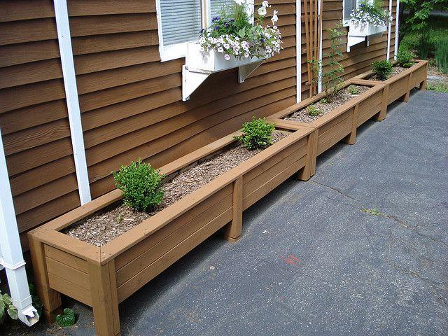 Planter Boxes For Deck Edges   Slightly Raised Legs For Drainage. Outside  Board Running Lengthways ?