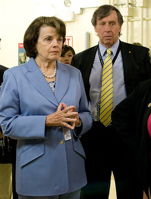 Richard Blum Husband Of Us Senator Dianne Feinstein Has Made Fortunes On Government Contracts His Wife Was Instrumenta Dianne Feinstein We The People Richard