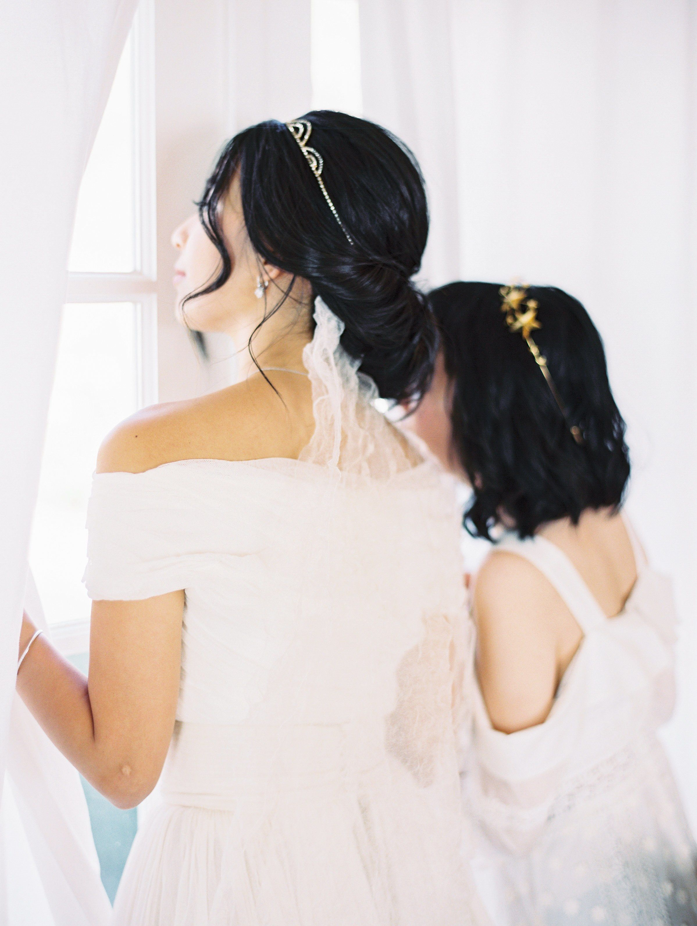wedding hairstyles that work well with veils brides wedding
