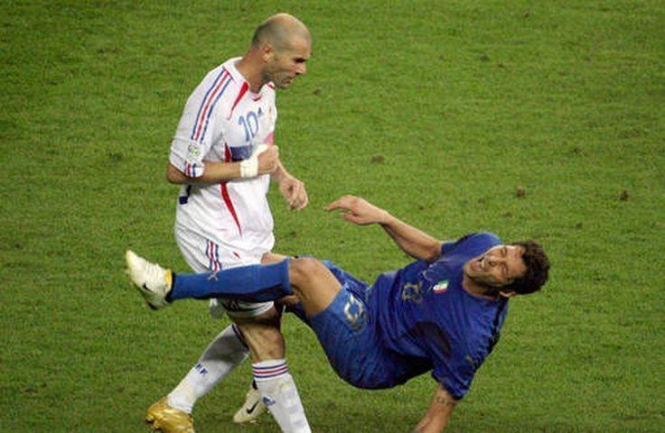Zidane Vs Materazzi Zinedine Zidane 2006 World Cup Final Sports