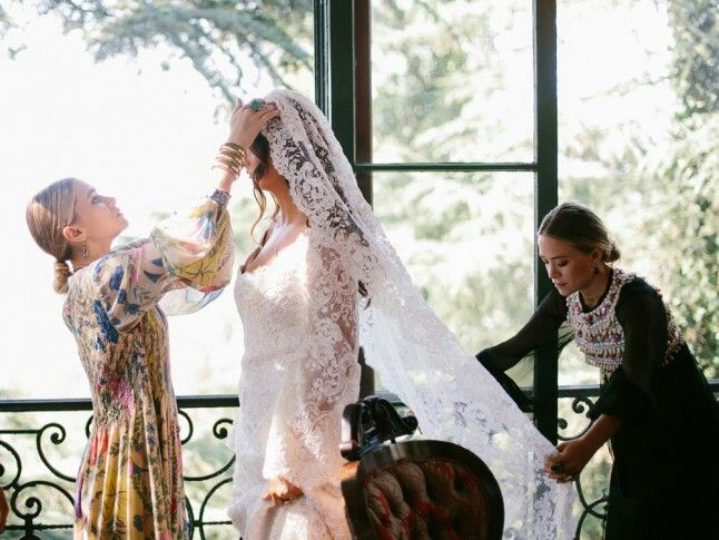 Mary & Kate Olsen wedding veil