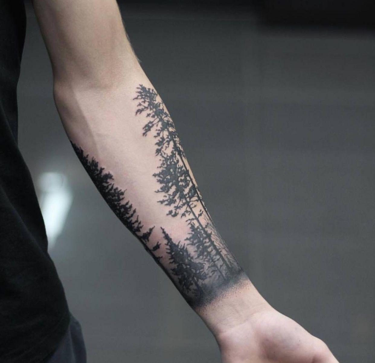 tatouage bras homme nature