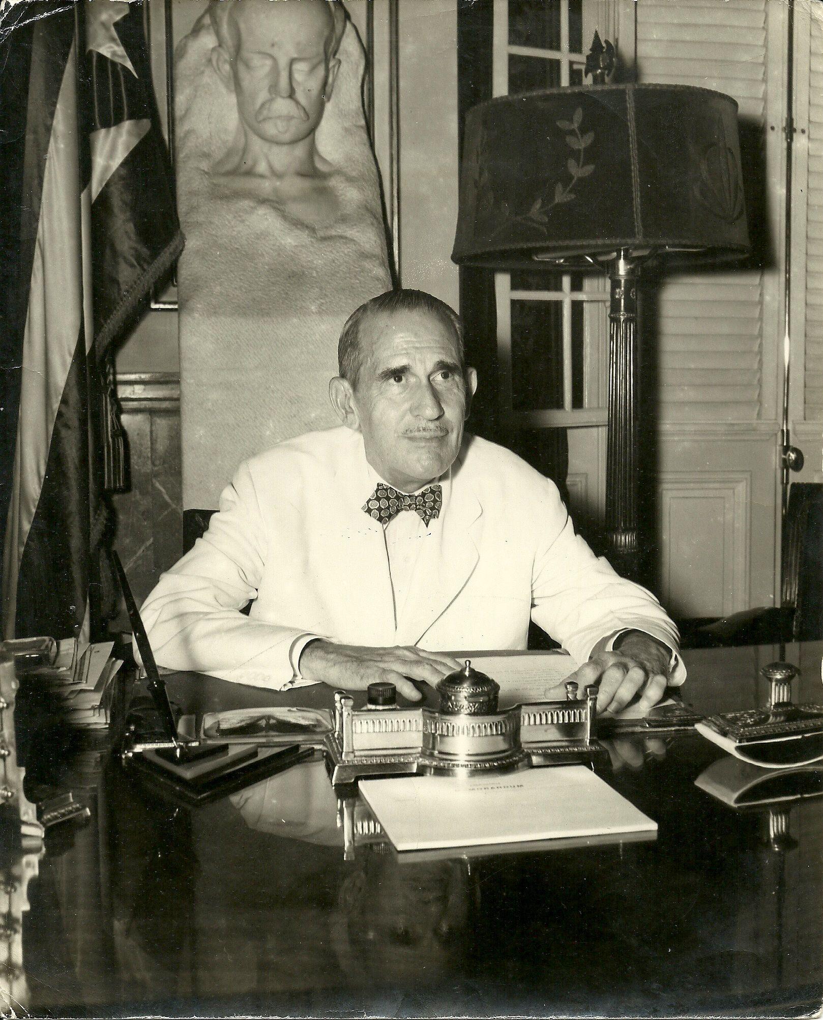 Presidente Ramón Grau San Martín - Cuba   Cuba, San martin, Fotos ...