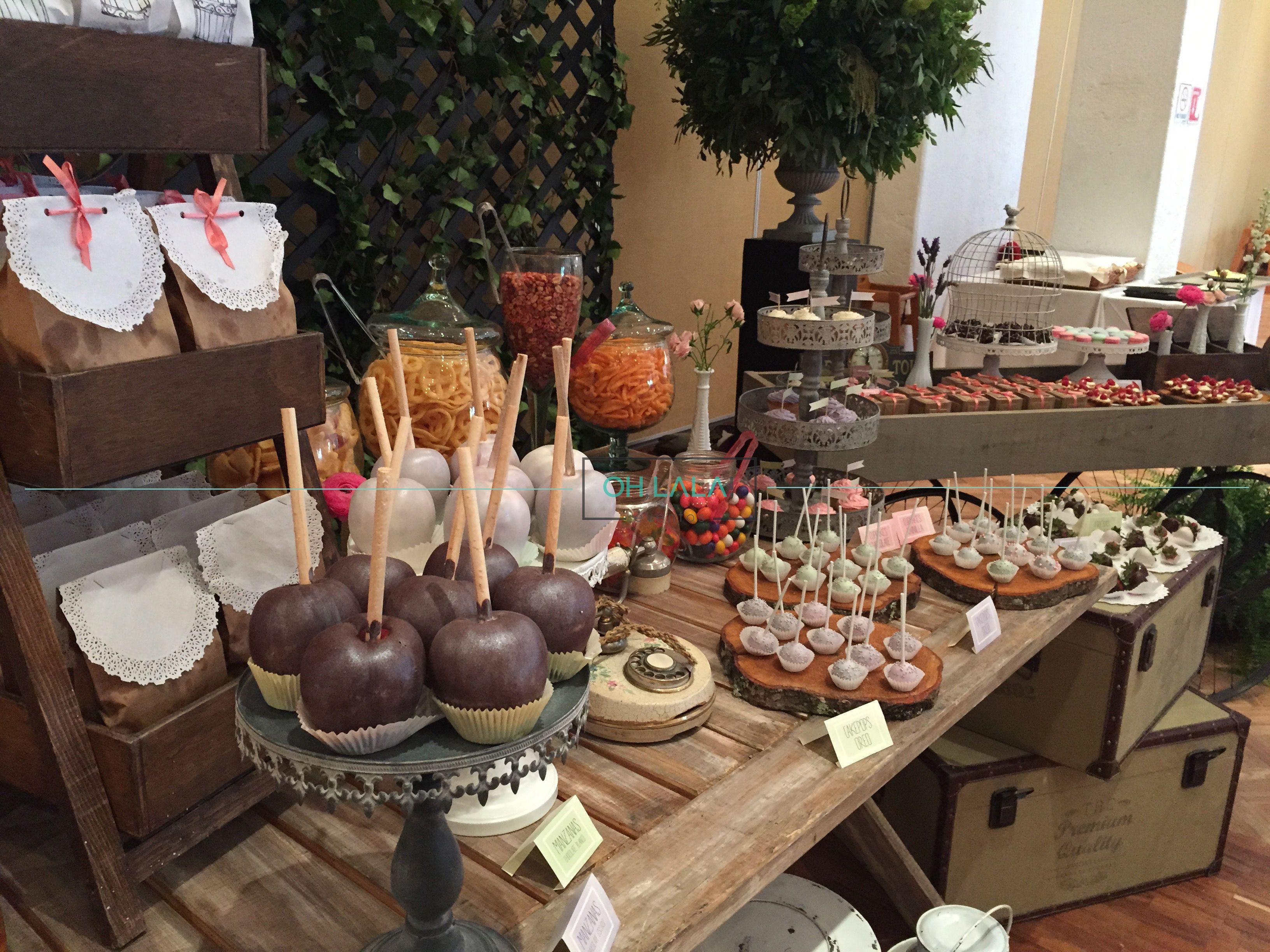 Mesa de dulces y postres vintage en tonos menta, rosa y lila, para ...