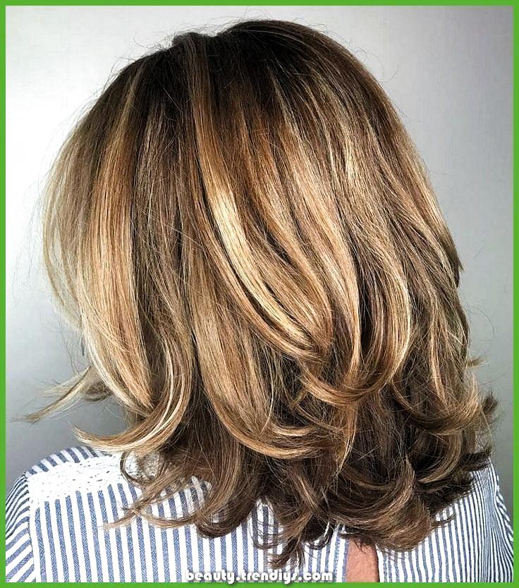Women Haircut Medium Round Face Women Haircut Medium Women Haircut Medium Layers In 2020 Below Shoulder Length Hair Thick Hair Styles Above Shoulder Length Hair