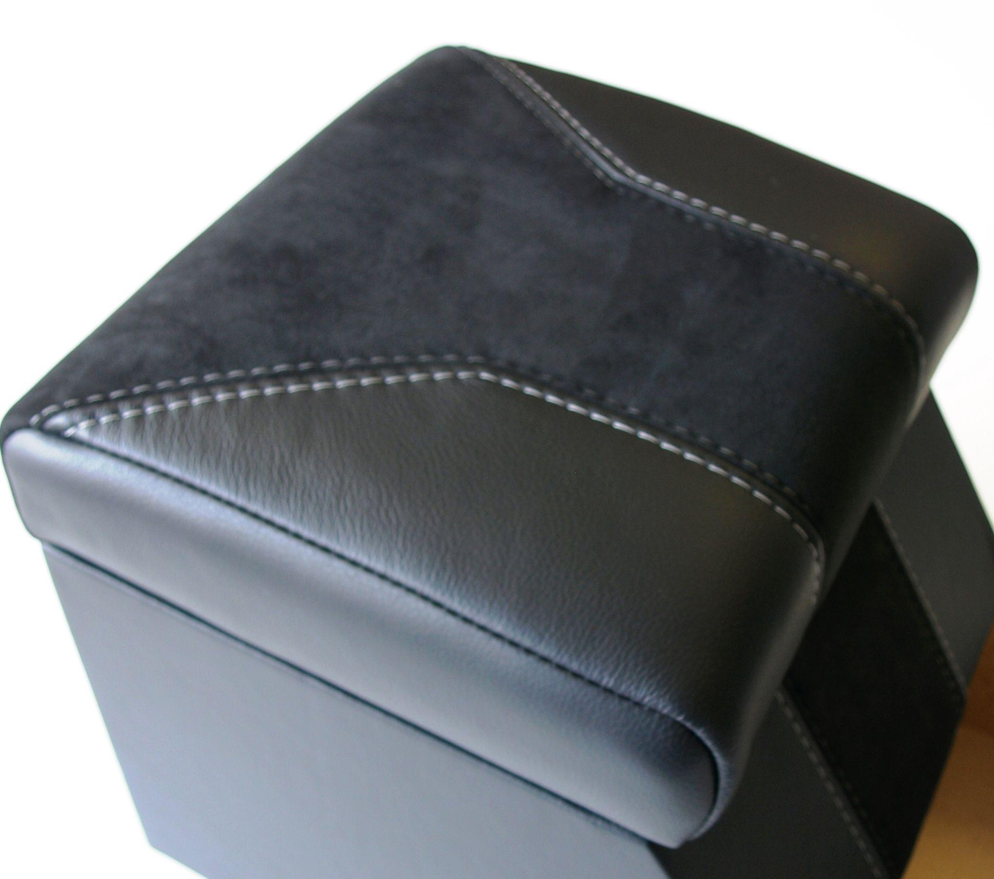 New design Landrover defender leather retrim cubby box lid by www.ruskindesign.co.uk