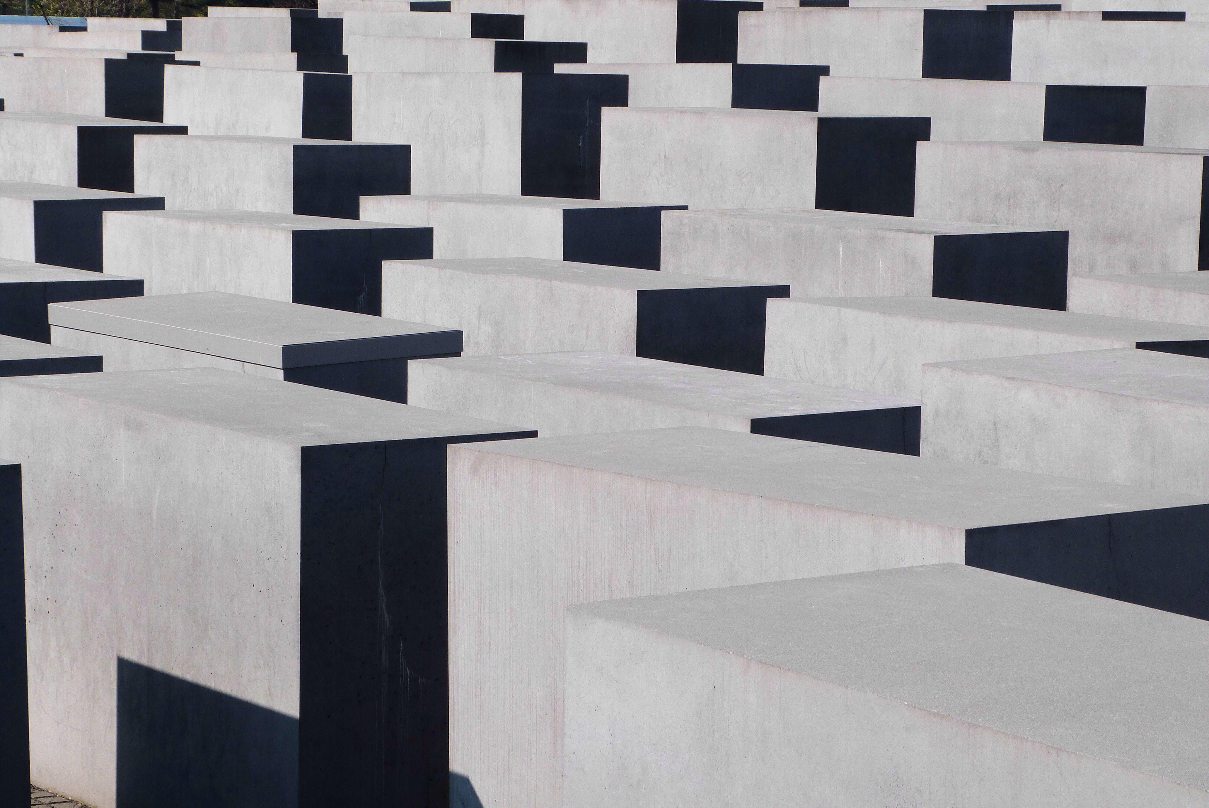 Potsdamer platz, holocaust monument