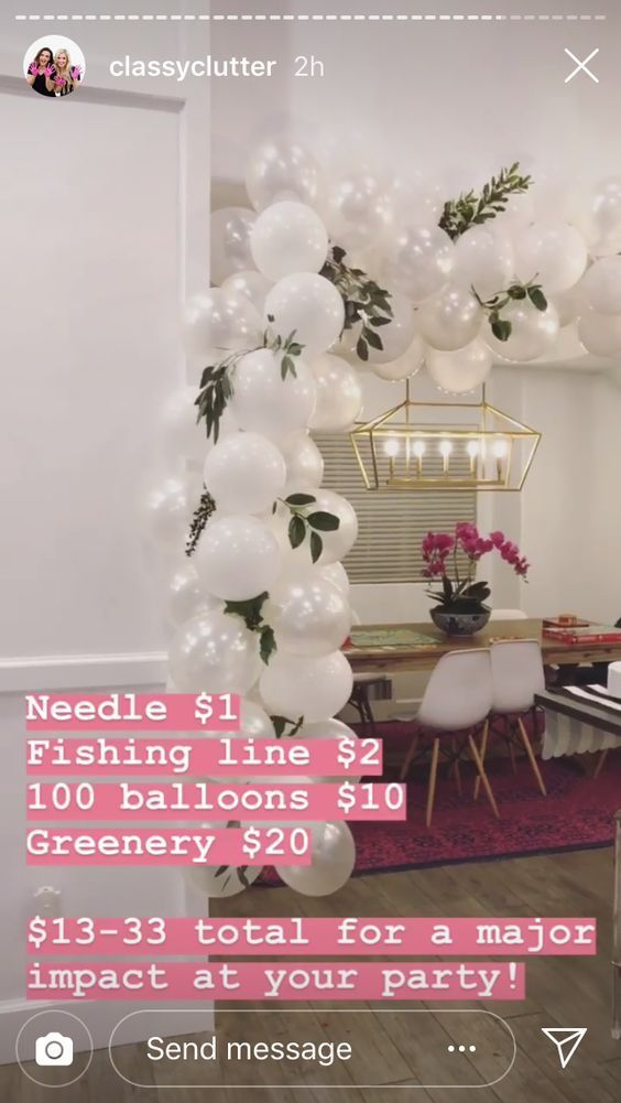 Super Fun Bridal Shower Decorations on a Budget - Hula Hoop Balloon Wreath #engagementparty