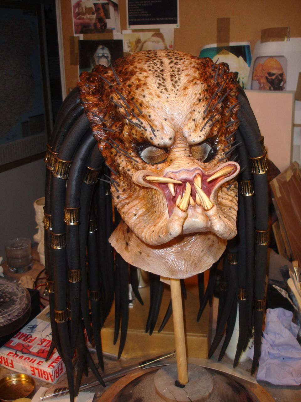 Latex and foam Predator mask. | Masks, helmets and make-ups ...