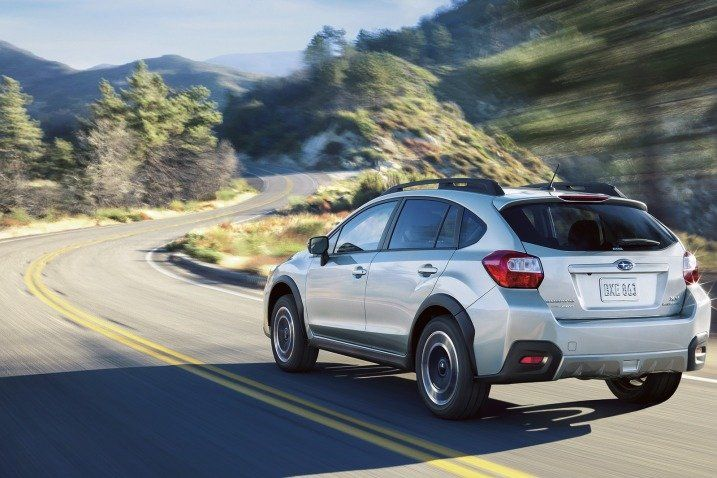 A review of the 2016 Subaru Crosstrek that covers pros and cons