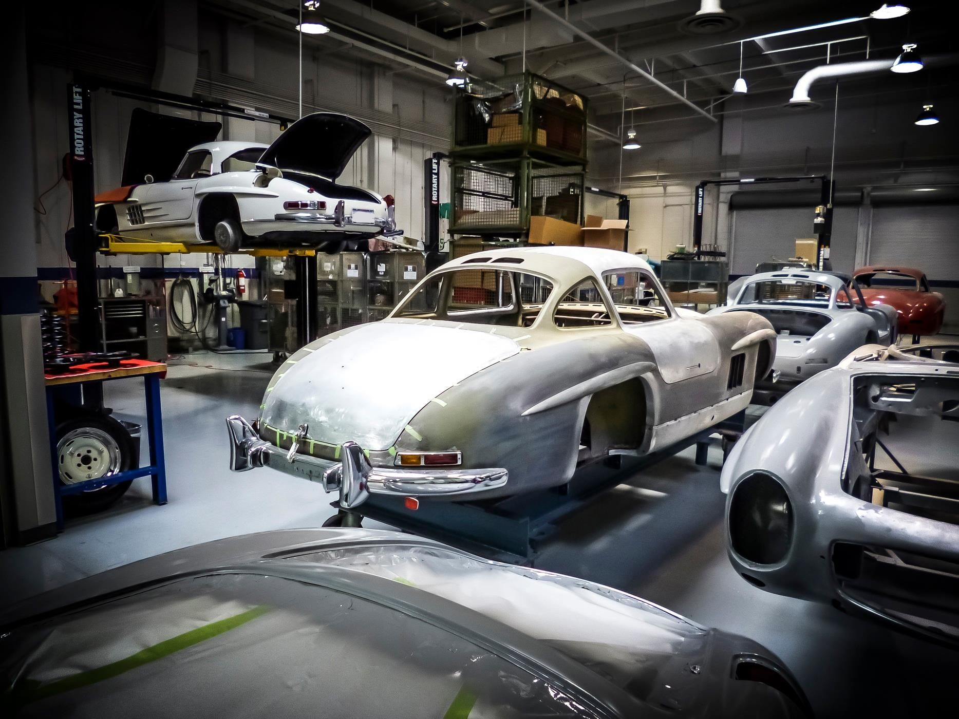 300 sl restorations at the mercedes benz classic center for Mercedes benz restoration center
