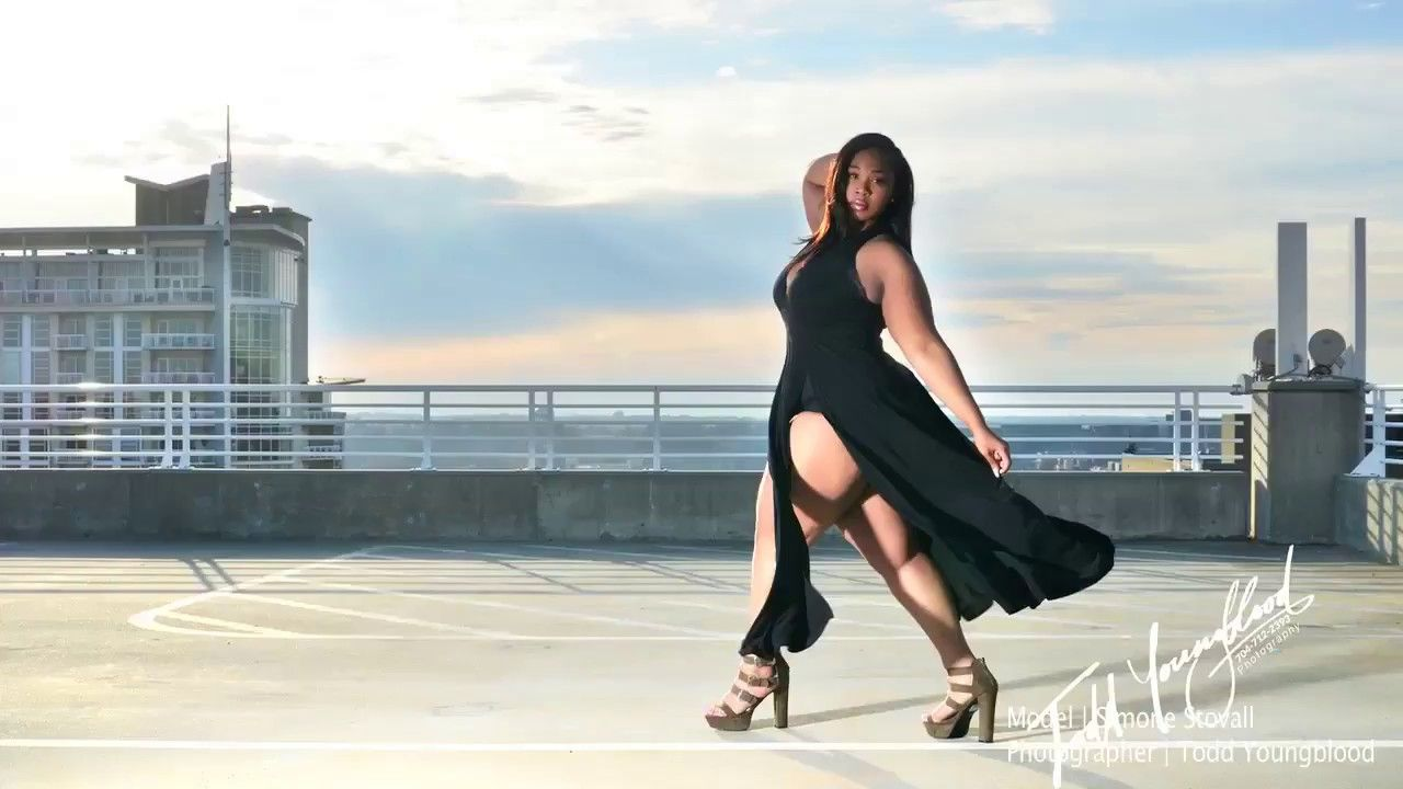 Photo of Simone Stovall – beautiful plus size model roof top photo shoot in Charlotte NC …
