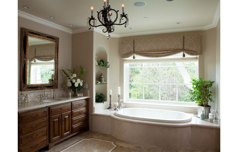 Traditional Bathroom Decor Valance Ideas Roman Shade Mosaic Stone Floor Curved Tub Enclosu Traditional Bathroom Decor Bathroom Windows Traditional Bathroom