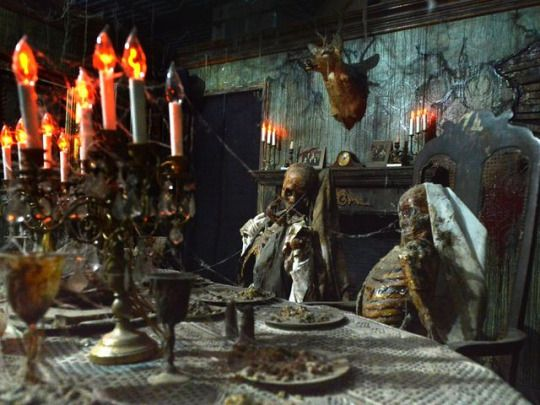 Reign of terror haunted house thousand oaks ca for Haunted dining room ideas