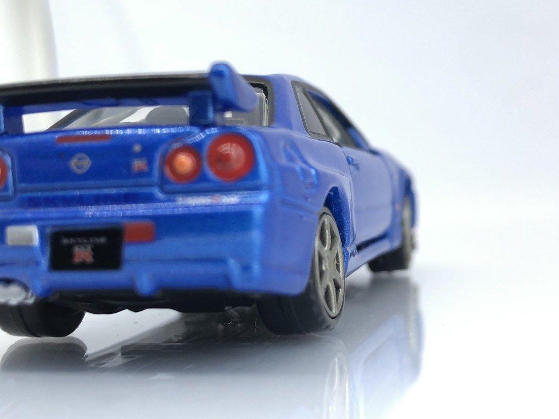 Tomica Premium Nissan Skyline Gt R In Metallic Blue Diecastgraphy Nissan Skyline Nissan Gtr Skyline Skyline Gt