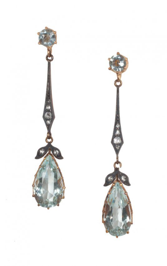 SIGH - Pair of Edwardian gold and aquamarine earrings :