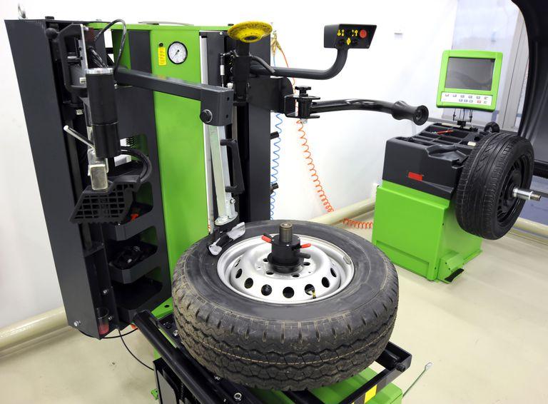 Wheel Balancing Machine Truck Wheels Wheel Wheels And Tires