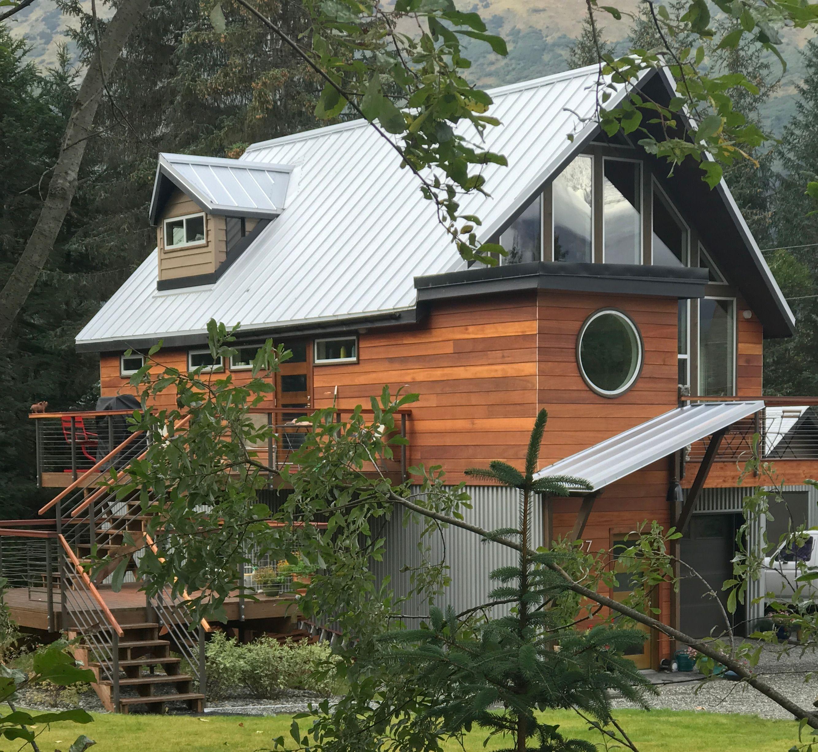 Awesome Alaskan Cabin Featuring Nova Batu 6 Inch Wood Siding Hardwood Siding Application Wood Siding Exterior Wood Siding Installing Wood Siding