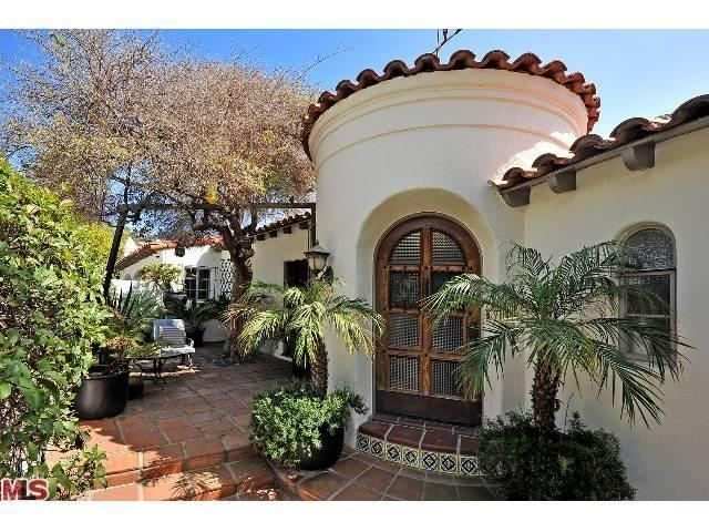 2510 Chislehurst Pl Los Angeles Ca 90027 Mls 13662767 Coldwell Banker Spanish Style Homes Spanish House Spanish Style