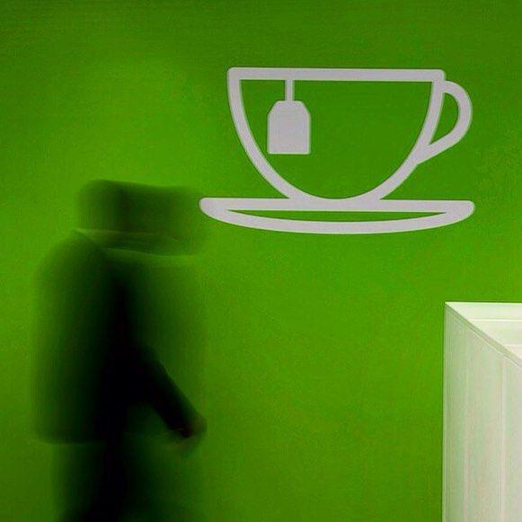 #graphicdesign #graphics #interior #interiordesign #architecture #architecturalphotography #vscocam #teacup #blur #london