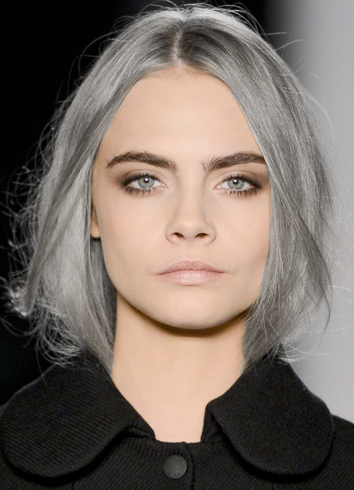 This silver hair matters. en 2019 Maquillage burberry