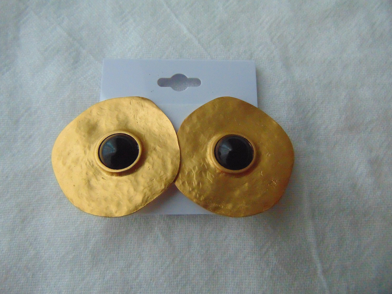 Vintage Les Bernard Signed Matte Gold Discs Black Centers