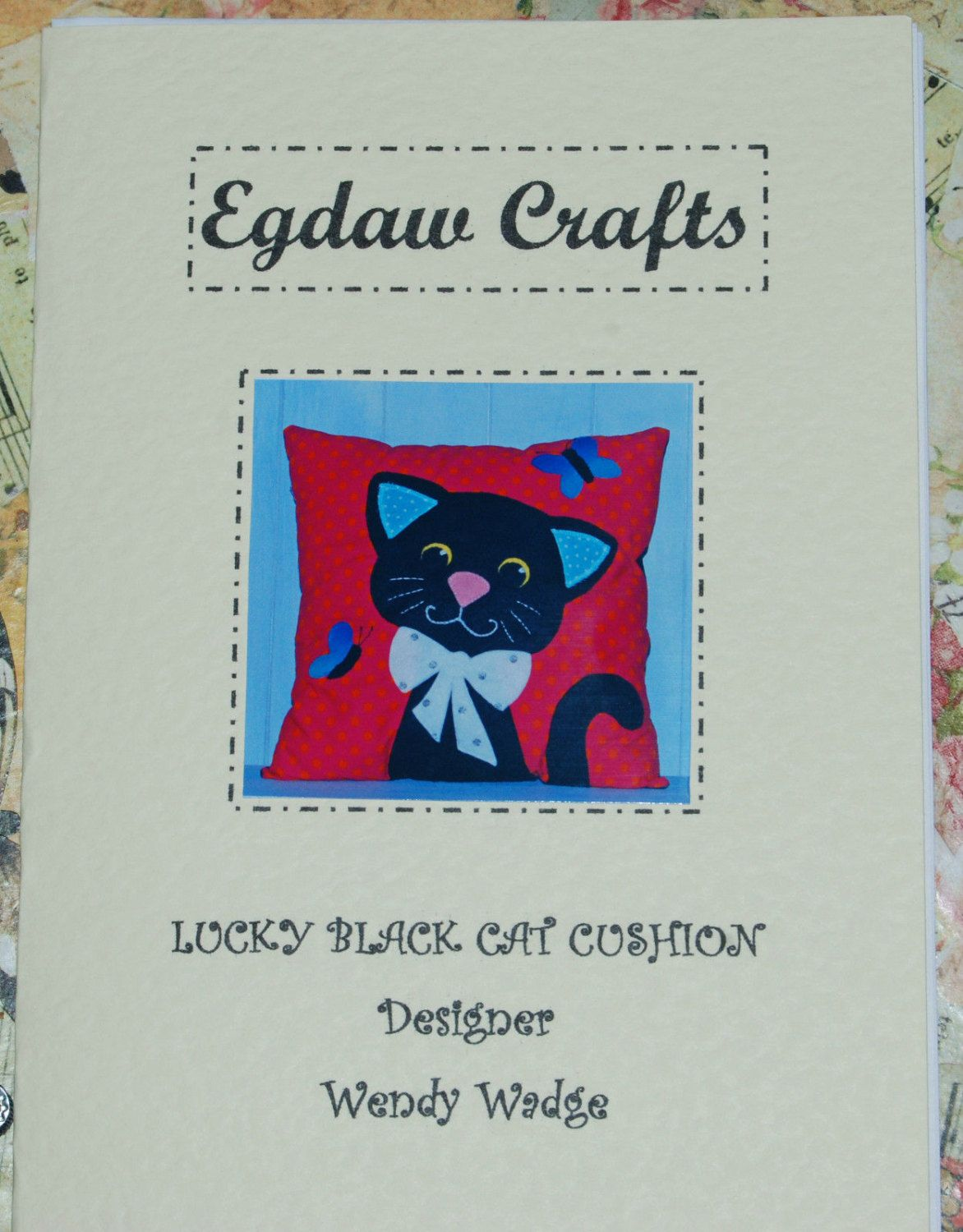 FOX AND CUB  APPLIQUE CUSHION CRAFT SEWING PATTERN WENDY WADGE