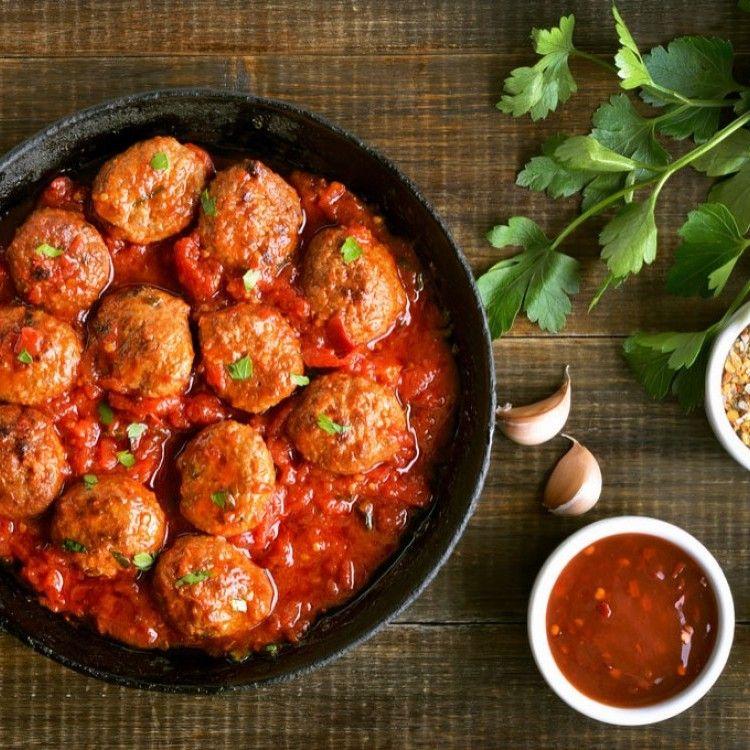 كفتة داوود باشا مطبخ سيدتي Recipe Homemade Italian Meatballs Chicken Meatball Recipes Cooking