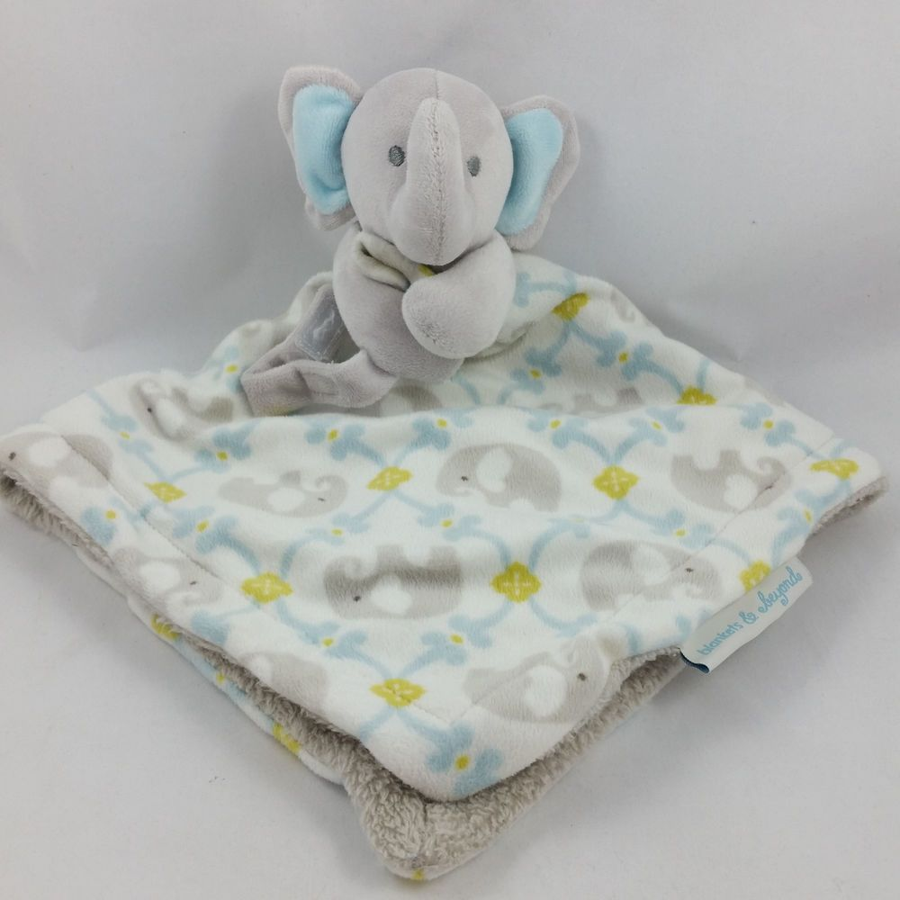 NEW Blankets and /& Beyond Elephant Baby Blanket Blue Grey White Holding Hearts