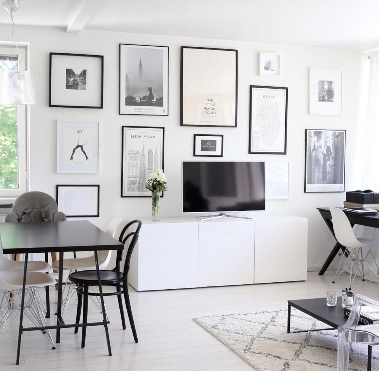 framing the tv is good use of wall space | wall art | Pinterest ...