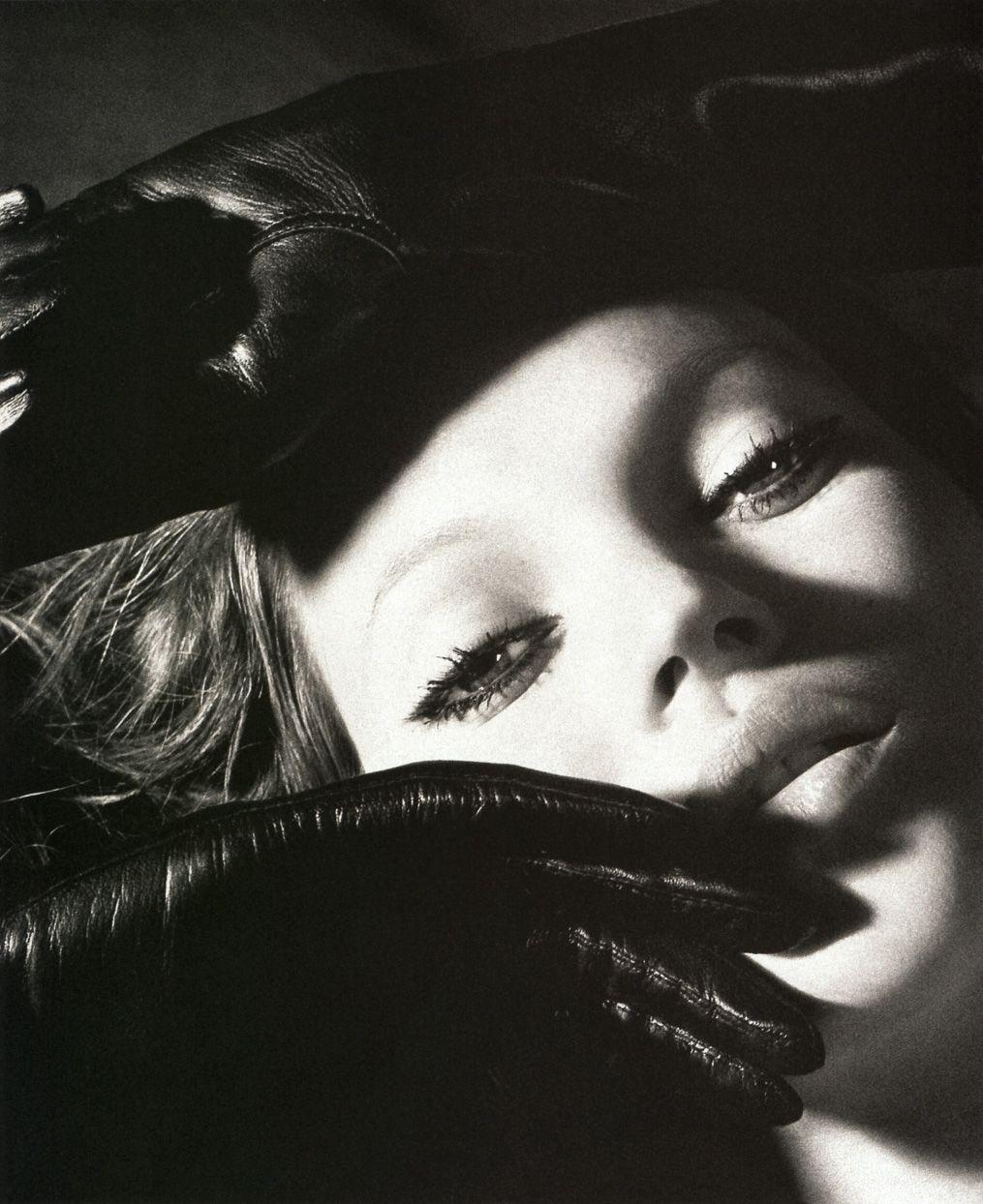 Kate Moss - Photography by Mert Alas & Marcus Piggot #katemoss #supermodel #queenoffashion #queenofmodels
