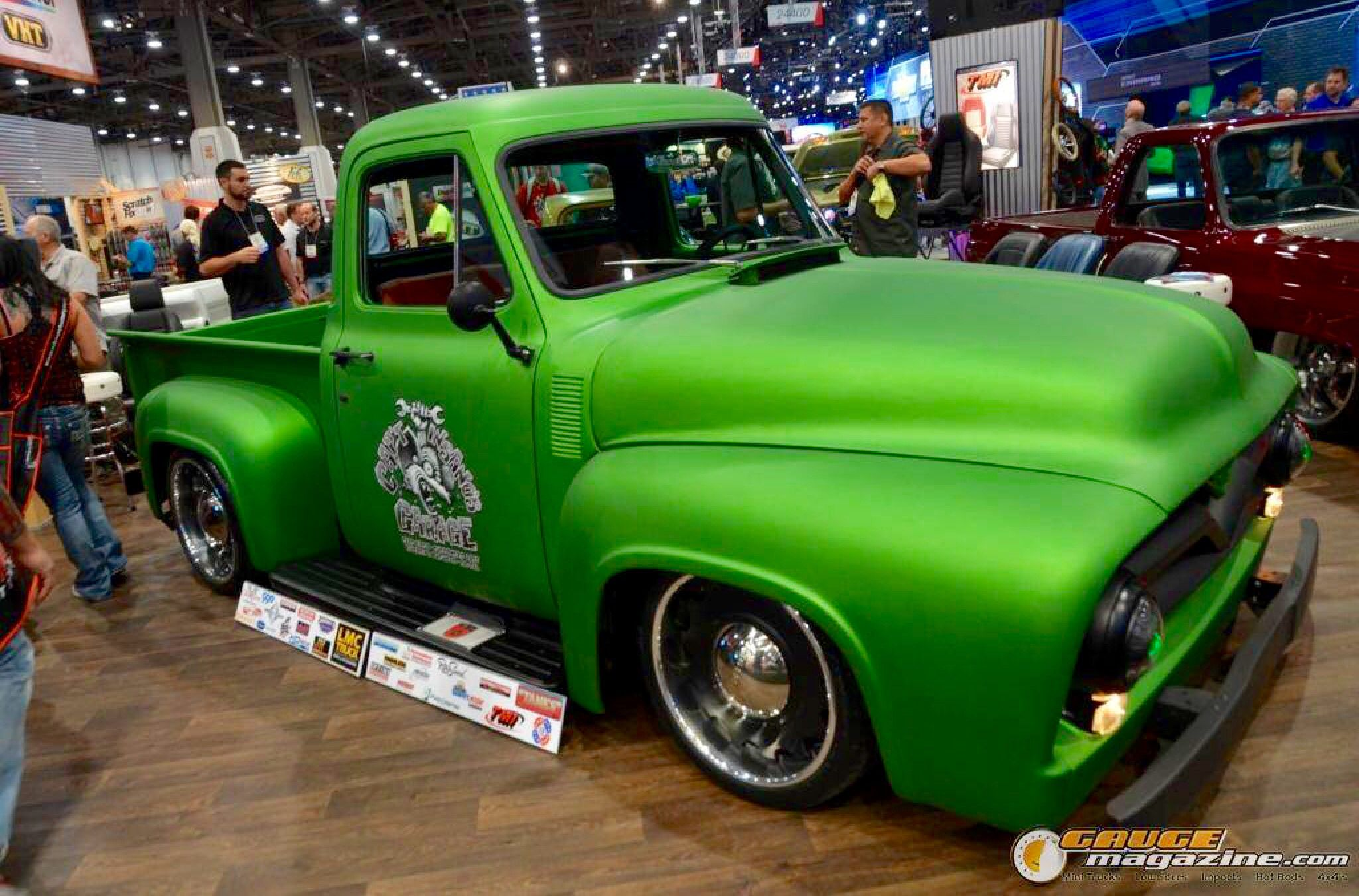 Post Some Flat Green Paint Jobs The 1947 Present Chevrolet Gmc Truck Message Board Network Jacked Up Trucks Mud Trucks Chevy Trucks