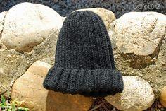 Bonnet pour homme en côtes : simple et rapide à tricoter