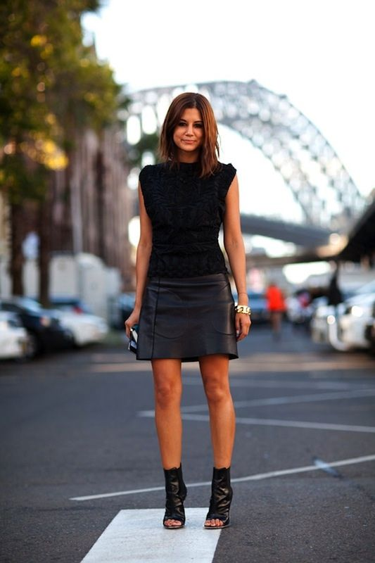 aaa9a24c5e Black top. Black leather skirt. Shoe boots. | Fashionnnnn ...