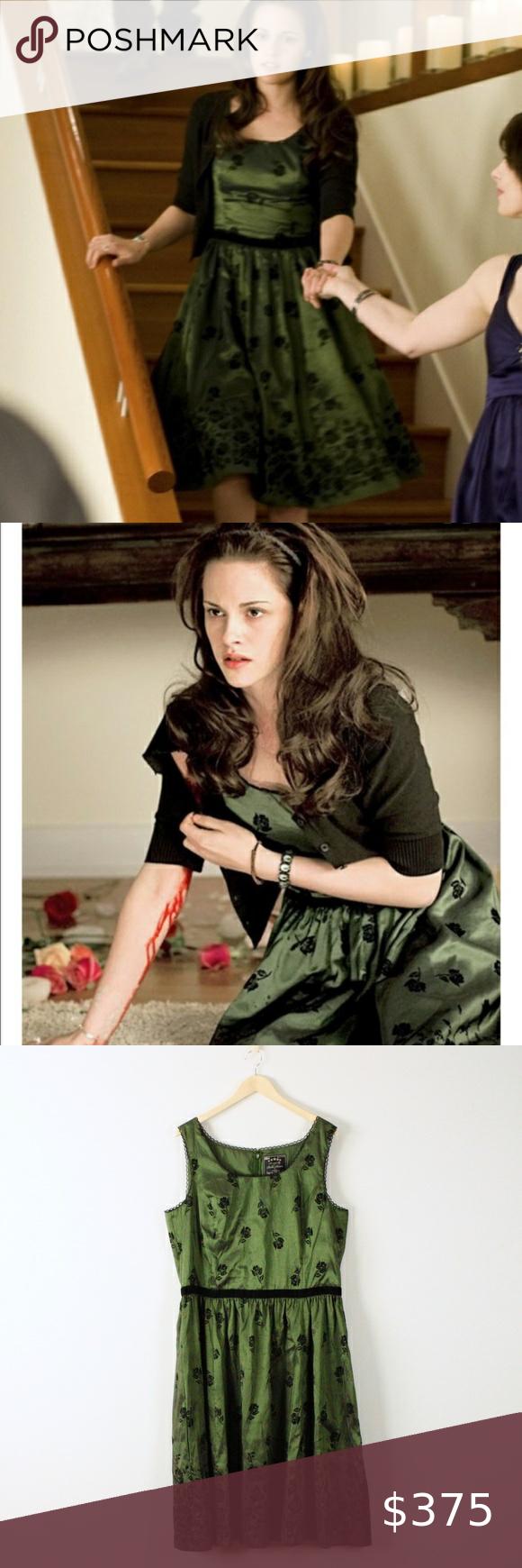 Nwt Bella Swan New Moon Twilight Birthday Dress Size 2xl As Worn By Bella Swan In The Twilight Sage New Moon Bea Birthday Dresses Shiny Fabric Fashion [ 1740 x 580 Pixel ]