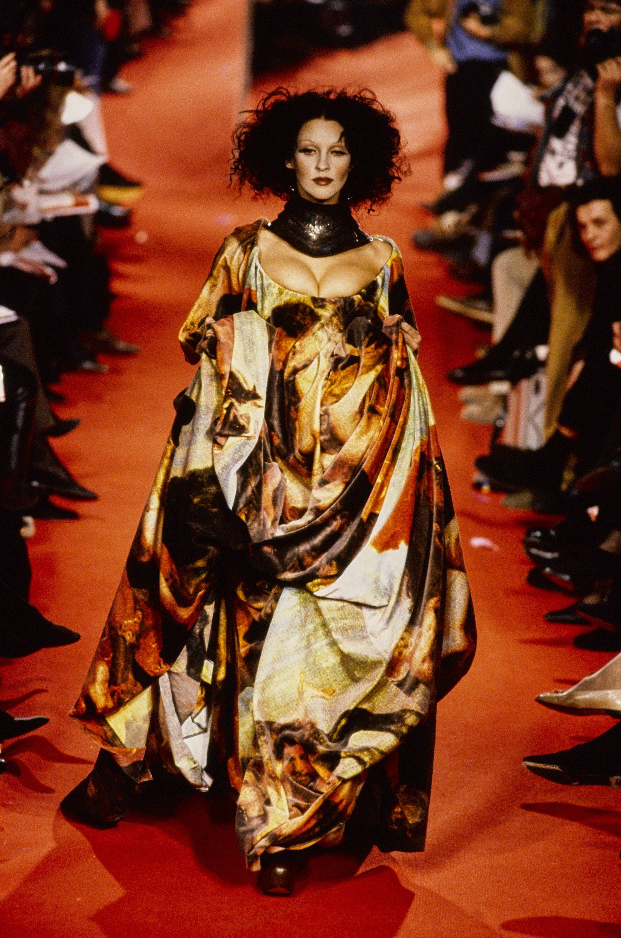 Andreas Kronthaler For Vivienne Westwood Fall 1993 Ready To Wear Fashion Show Vivienne Westwood Fashion High Fashion Couture