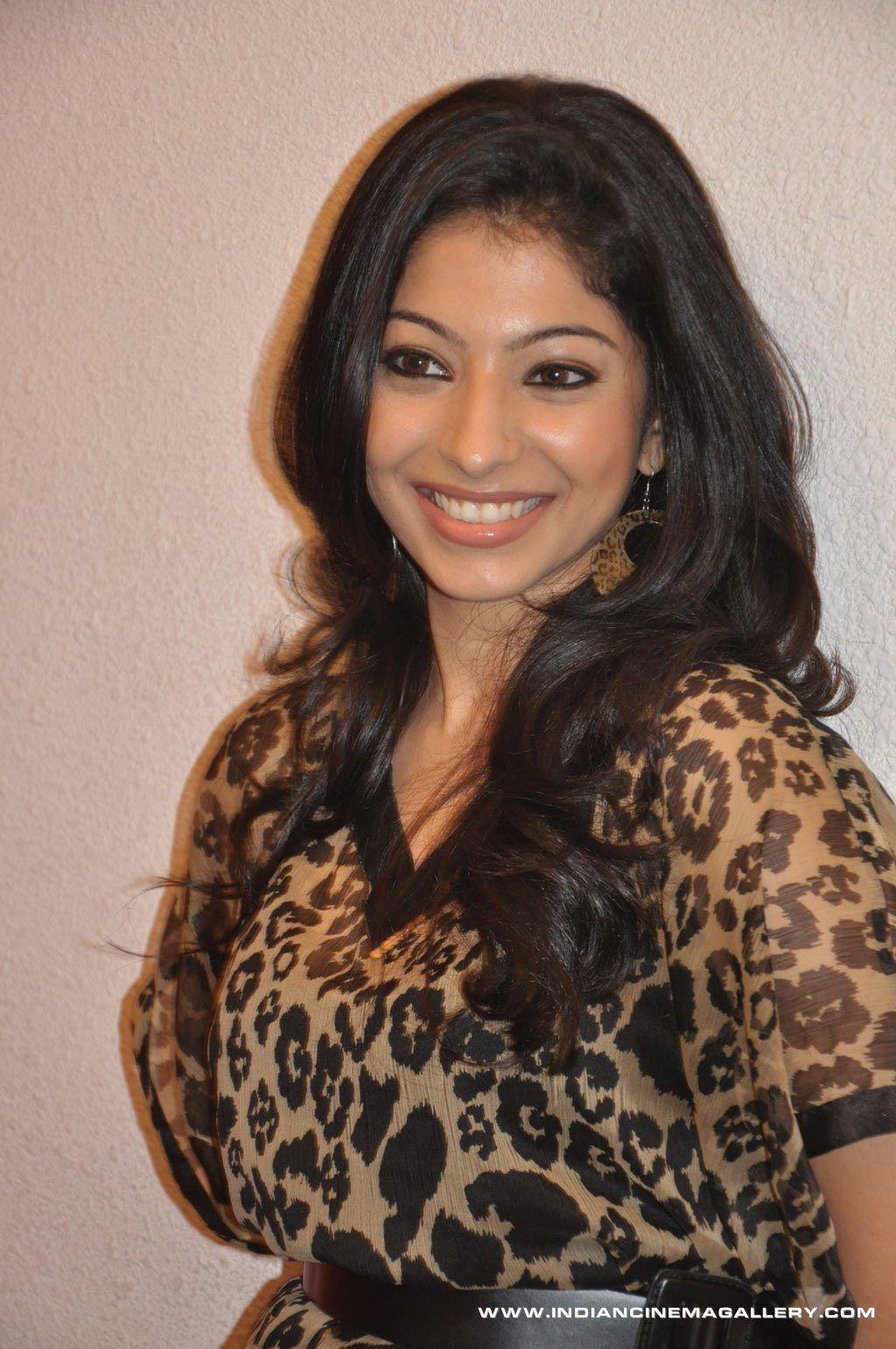 Anuja Iyer Latest Stills Long hair styles, Hair styles