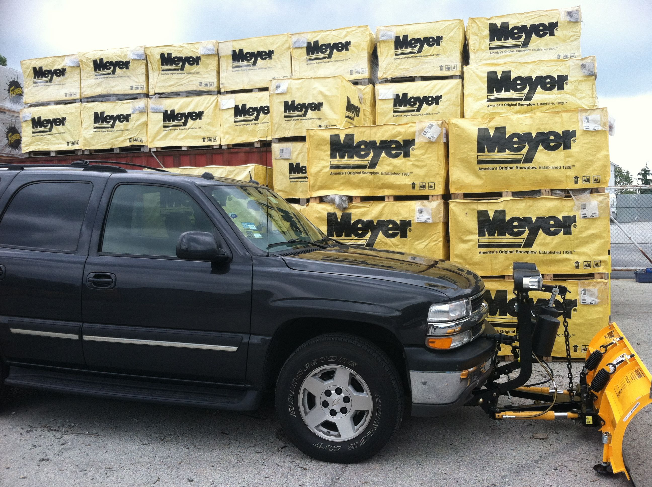 Meyer installed on Chevy Tahoe Chevy tahoe, Snow plow, Chevy