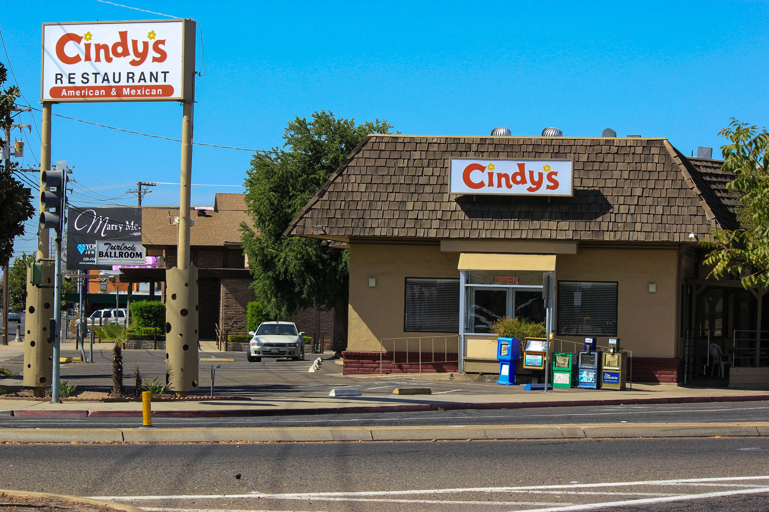 Cindy S Restaurant Turlock Ca Excellent Bbq In The Parking Lot Summer Love It