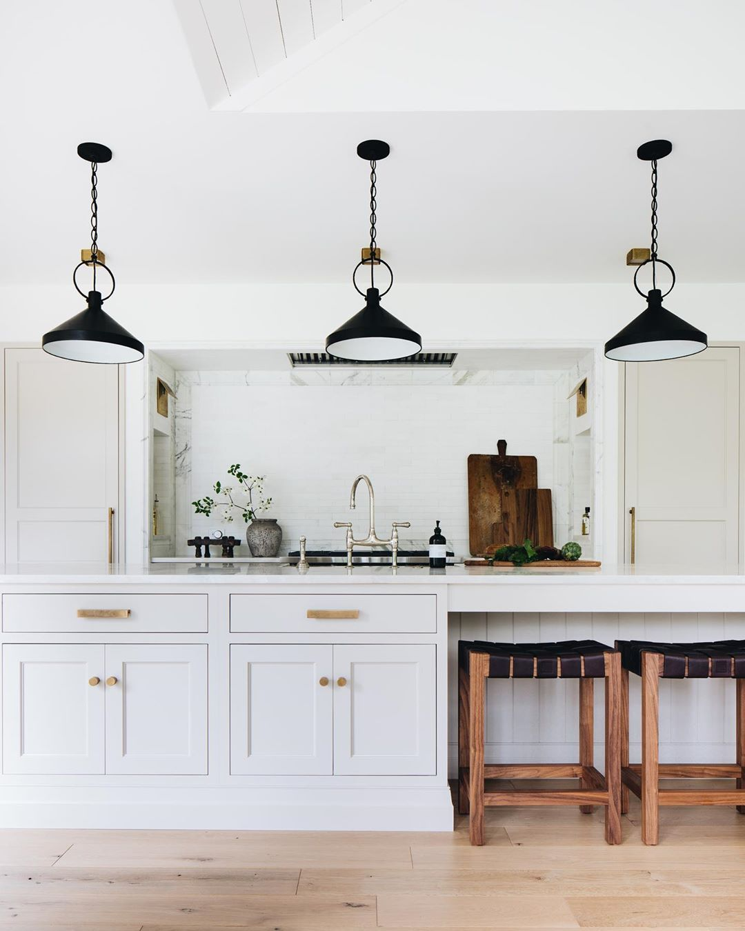 We Are Still Drooling Over This Kitchen From Our Ada Modern Classic Project Shop A Few New In 2020 Kitchen Inspirations Scandinavian Style Home Kitchen Cabinet Colors