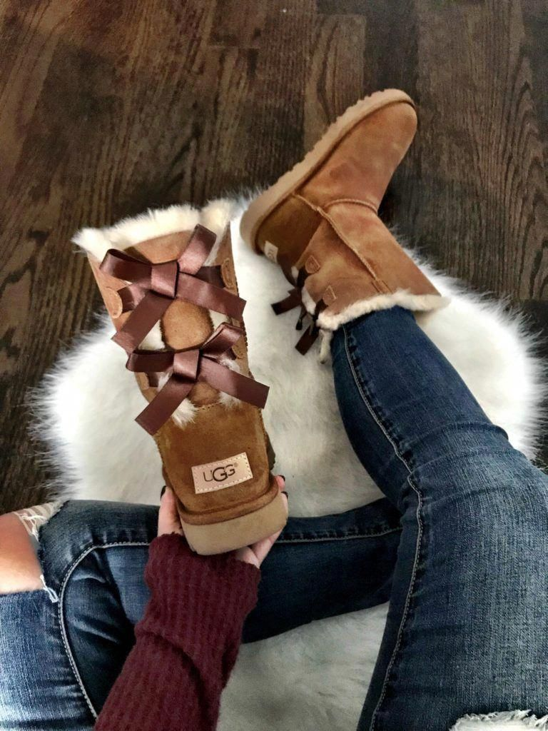 545239aa54e Pin by Savannah Arroyo on Shoes in 2019 | Ugg boots with bows, Ugg ...