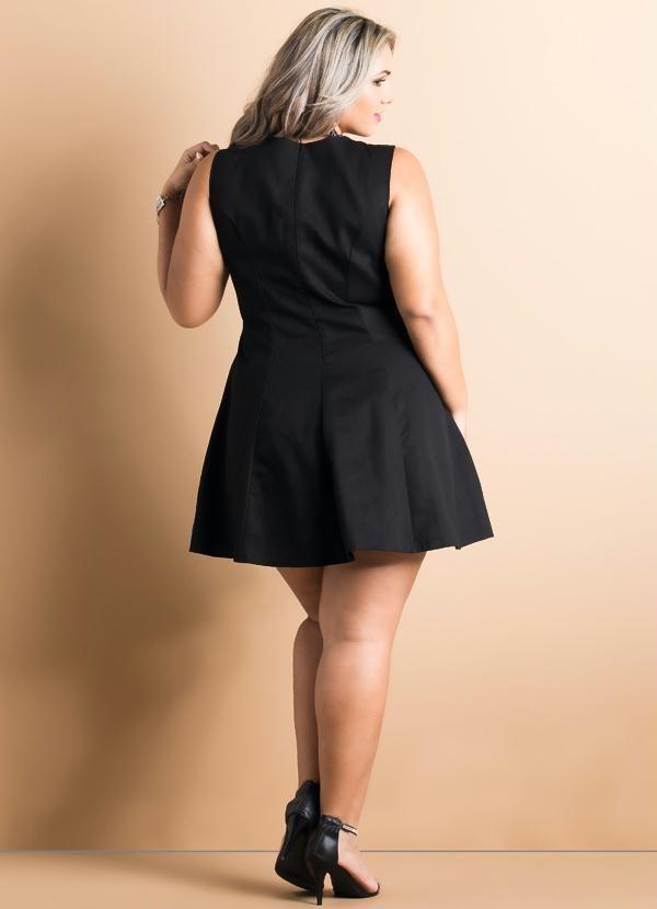 52d0f1d1d6 Quintess - Vestido Evasê Preto Plus Size - Quintess